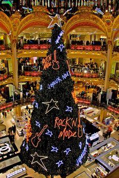 Christmas in Paris (Galleries Lafayette)