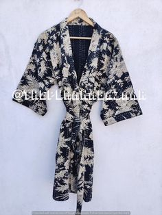 Floral handmade kantha jacket Japanese kimono style Floral kantha robe winter jacket multi colored tie belt coat reversible jacket kimono's Kimono Jacket, Kimono Style, Kimono Dress, Tank Dress, Kimono Fashion, Women's Fashion, Coats For Women, Clothes For Women, Japanese Kimono