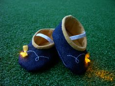 LED baby firefly booties - tutorial. These are just too adorable! @Theresa Olsen I feel like I asked you to make something for my future child the other day, but whatever it was, forget it and make me THESE instead! LOL. <3 <3 <3