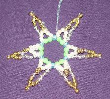 Doppelter Stern aus Perlen basteln