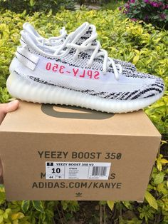 035a3defd5c ADIDAS YEEZY BOOST 350 V2 Zebra SIZE 10 100% Authentic CP9654  fashion   clothing