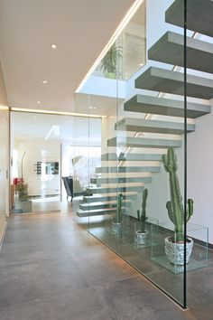 Bauhaus-Villa Avantgarde 200 von Rötzer Ziegel Element Haus : Moderner Flur, Diele & Treppenhaus von Rötzer Ziegel Element Haus GmbH