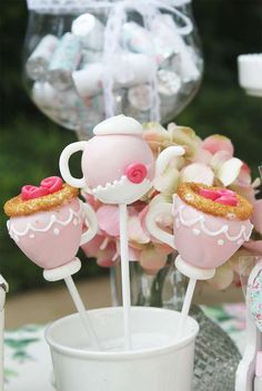 Love the detail! Just perfect for a Tea Party Garden Birthday party! See more party ideas at Such gorgeous cake pops! Love the detail! Just perfect for a Tea Party Garden Birthday party! See more party ideas at Garden Birthday, Tea Party Birthday, Cake Birthday, Baby Cake Pops, Cake Baby, Garden Party Cakes, Girls Tea Party, Tea Parties, Cupcakes