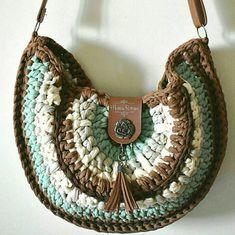 Passando pra lembrar que estarei ensinando a minha Bolsa Rustique nos Workshop Crochet Tote, Cute Crochet, Easy Crochet Stitches, Crochet Patterns, Fashion Handbags, Chanel Handbags, Handbag Tutorial, Handbags For School, Spring Handbags