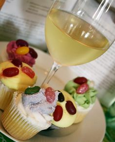 Yes, You Can Drink Wine With Birthday Cake. Here's How!