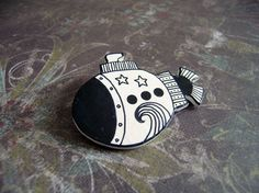 Original and funny clip with a submarine Hand painted in white and black.