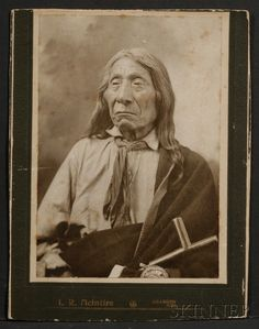 Chief Red Cloud – December was a war leader and a chief of the Oglala Lakota (Sioux). He led as a chief from 1868 to One of the most capable Native American opponents the United States Army faced, he led a successful campaign in known as Red Cloud's War. Native American Pictures, Native American Beauty, American Indian Art, Native American Tribes, Native American History, American Indians, Native Indian, Indian Tribes, First Nations