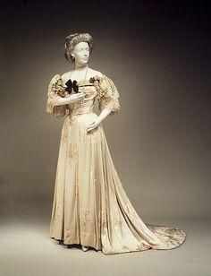 Mode dans les années 1900 : Worth
