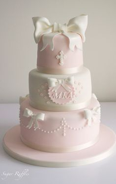 Sugar Ruffles, Elegant Wedding Cakes Barrow in Furness, Dalton, Ulverston and the Lake District: Birthday and Celebration Cakes