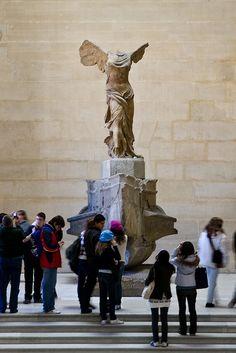 Winged Victory - Le Louvre, Paris - my favourite sculpture of all time Louvre Palace, Winged Victory, Visit France, Historical Artifacts, Just Dream, Art Hoe, Paris Travel, Les Oeuvres, Sculpture Art
