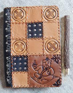 Блокнот с кожаной обложкой ручной работы с декоративным тиснением по тематике Казахстана . Размер 16 на 22 см. Handmade leather notebook with old kazakh symbol . #kazakhstan , #казахстан , #handmade , #leather_notebook , #leathercraft , #кожаные_обложки , #кожаные_сувениры