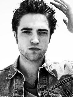 Robert Pattinson as Kyle Edwards Robert Pattinson Twilight, Robert Douglas, I Robert, Edward Bella, Edward Cullen, Jamie Campbell Bower, Star Wars, Poses, Beautiful Men