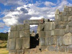 La-Fortaleza-de-Sacsayhuaman - Cusco - Perú