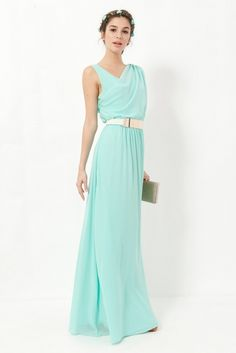 Los 13 vestidos largos de boda con los que conquistarás a todos (menos al novio), Este tono tan romántico queda genial en un vestido de corte griego de Poète, su precio es de 189,90 euros.