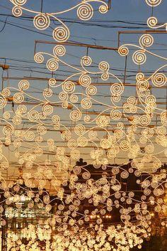 Pretty Lights, Beautiful Lights, Simply Beautiful, Gustav Klimt, Outdoor Settings, Fairy Lights, Light Up, City Photo, Scene