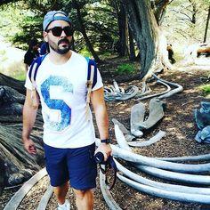 Aquí un tipo de los más grandes... @xampi82 caminando entre huesos de ballena. En #pointlobos #california #bigsouth #bigsur #usa #viajes #viajeconcolegas #roadtrip #vidadefotografo #portrait #retrato #color #wale #ballenas #nature #treking #calocals - posted by Rivas Foto https://www.instagram.com/rivasfoto - See more of Big Sur, CA at http://bigsurlocals.com