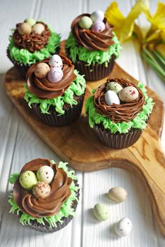 Easter Chocolate Nest Mini Egg Cupcakes: Give your favorite candy eggs a special home on top of one of these tasty cupcakes. Click through for more easy and cute Easter cupcakes for kids.