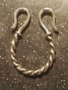 Mellemled til halskæde i sølv: 150 kr. 28 x 24mm