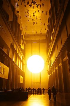 """ The Weather Project"" by Olafur Eliasson The weather project was installed at the London's Tate Modern in 2003 as part of the popular Unilever series. The installation filled the open space of the gallery's Turbine Hall. Op Art, Tate Modern London, Tate London, Turbine Hall, Modern Art, Contemporary Art, Light Art Installation, Lighting Sculpture, Art Installations"