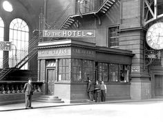 Cab Office at Central Station, Glasgow, 1936 Glasgow Central Station, Old Train Station, 2nd City, 42nd Street, Glasgow Scotland, Train Tracks, Best Cities, Travel Pictures, Old Photos