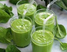 En riktig hälsoboost - grön smoothie med spenat, avokado och mango. Fräscht! #greensmoothie #healthy #smoothiesesh #hälsosamsmoothie #smoothie