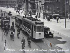 Tramwaj linii nr 5 przejeżdża przez Rynek. Fragment pocztówki  Rok 1930