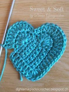 ideas crochet heart stitch hat yarns for 2019 Crochet Motif, Crochet Flowers, Crochet Stitches, Free Crochet, Knit Crochet, Crochet Patterns, Crochet Hearts, Yarn Projects, Crochet Projects