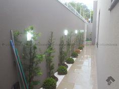Back Garden Landscaping, Backyard Walkway, Modern Landscaping, Interior Design Living Room Warm, Side Garden, Garden Landscape Design, Garden Seating, Exterior Siding Options, Exterior Paint