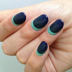 Inspiration on Gorgeous Navy Ombre Nails by Island Girl. Check out more Nails on Bellashoot. Peacock Nail Designs, Peacock Nail Art, Nail Art Designs, Fancy Nails, Trendy Nails, Henna Motive, Matt Nails, Manicure E Pedicure, Tips Belleza