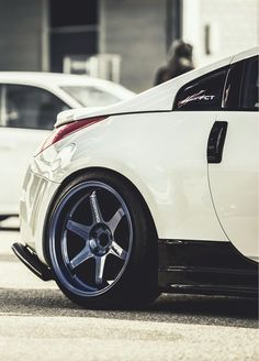 Bad ass nissan gt r nice cars pinterest best nissan for Garage nissan terville 57