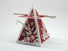Piramis doboz  Pyramid box Christmas Ornaments, Holiday Decor, Home Decor, Decoration Home, Room Decor, Christmas Jewelry, Christmas Decorations, Home Interior Design, Christmas Decor