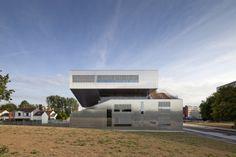 L'arbrisseau Neighborhood Centre / Colboc Franzen & Associes