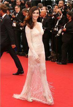Cannes 2013: Paz Vega de Roberto Cavalli, espectacular.
