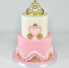 Princess carriage and tiara cake