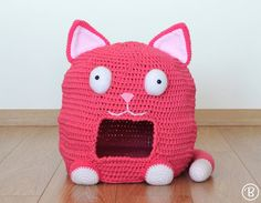 ***This listing is for the PATTERN (PDF file) not the finished product.***  A fun and cozy home for your furry little friend! No feline can resist