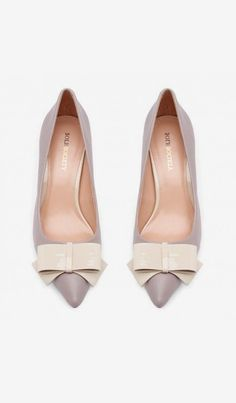 Women's Bark Ecru Faux Leather 2 1/2 Inch Pointed Toe Pump. Wish the now was a little smaller!