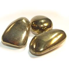 Chalcopyrite: Opens up the faculty of observing and understanding life. Cleanses and removes energy blocks. Supports regenerative processes and soothes the symptoms of old injuries. A protective crystal against evil influences.