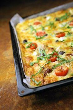 Tonnikala-oliivipiirakka - Suolaiset leivonnaiset - Reseptit - Helsingin Sanomat Gluten Free Recipes, Baking Recipes, Finnish Cuisine, Savory Pastry, Good Food, Yummy Food, Pesto, Free Food, Macaroni And Cheese