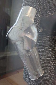 Arm Harness, Musée de l'Armee, Paris   ref_arm_1015  Date: 1380-1400