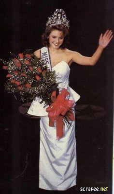 Miss Universo 1990 - Mona Grudt - Noruega