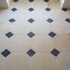 Carrelage cabochon Bathroom Renos, Tiles, House Tiles, Tile Floor, Deco, Kitchen And Bath, Updated Kitchen, Flooring, Checkered Floors