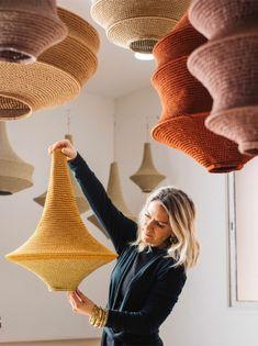 home furnishings ideas Hanging Lamp Shade, Lamp Shades, Lampe Crochet, Crochet Lampshade, Karton Design, Luminaria Diy, Diy Luminaire, Diy Chandelier, Chandeliers