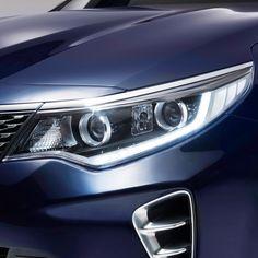 기아자동차 신형 K5의 듀얼 프로젝션 헤드램프 The dual projection headlamp of KIA Motors' new K5