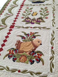 Lots and lots of pix of this beautiful Baltimore Album award winning quilt. THE QUILTED PINEAPPLE: Heartland Quilt