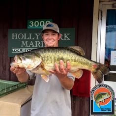 Justin Cook of Lufkin, TX caught this 10.34 lb fish on January 14, 2017 and weighed it in at Holly Park Marina. Congratulations on your catch. This is fish number 028 for the May 2016 to May 2017 year.
