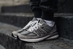 A Closer Look at the New Balance in Monochromatic Grey: More colors are on the way. Iphone 5c, Shirts For Leggings, Nike Acg, Womens Fashion For Work, Shoes Online, New Balance, Trendy Outfits, Shopping, Tennis