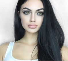 Find images and videos about girl, beauty and makeup on We Heart It - the app to get lost in what you love. Gina Lorena, Eye Makeup, Hair Makeup, Attractive Eyes, Emo Hair, Cool Eyes, Pretty Girls, Black Hair, Makeup Looks