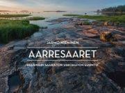 Saaristo-opas, luontokuvaaja ja tietokirjailija Jarmo Nieminen on tarkkaillut ja kuvannut Helsingin edustan saaria kymmeniä vuosia. Tunnelmalliset kuvat ja tarinat saarten ainutlaatuisesta luonnosta ja niiden historiasta on koottu kiehtovaksi kirjaksi.