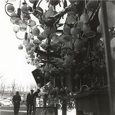 Henri Florence (1893-1982) Marché aux puces (lampes), 1930 Florence Henri, Black White Photos, Black And White, Brassai, Robert Doisneau, French Photographers, Kandinsky, Futuristic, Inspiration
