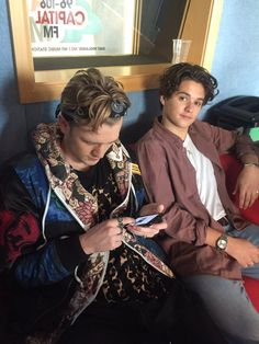 Brad Simpson is ALWAYS looking fine. Oh hi there Tristan Evans.